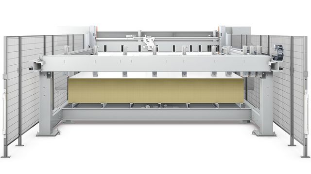 The lift version has a standard precision lift table for high material throughput.