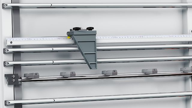 Manual dimension display for setting the length in vertical section